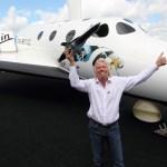 Sir Richard Branson vor der NYSE. Quelle: Virgin Galactic