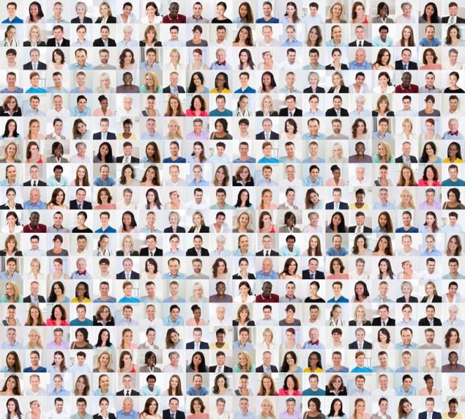 Colagem de diversas pessoas de idade multi-étnica e mista a sorrir (Andrey_Popov) s