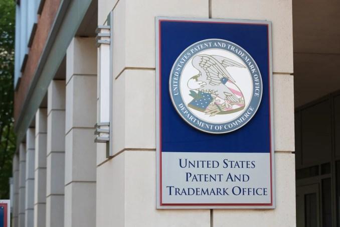 O Escritório de Patentes e Marcas dos Estados Unidos é a agência federal de concessão (Mark Van Scyoc) s
