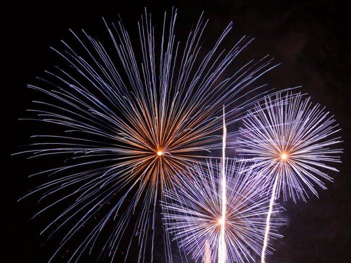 blue fireworks 4th july bi