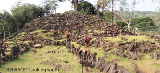 018 gunung mount padang pyramid indonesia 3