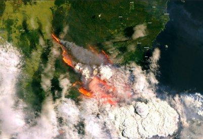 Copernicus EMS; Sentinel 2 / ESA Uma visão de um incêndio florestal