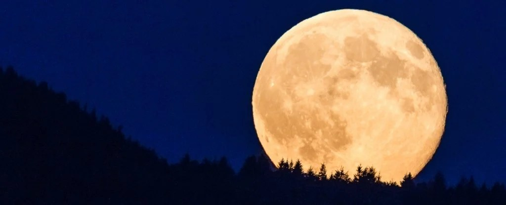 This Weekend We Might See a 'Snow Supermoon'. Here's What That Means