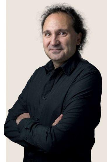 Jean-Philippe Uzan est physicien théoricien, spécialiste de cosmologie au CNRS/Institut d'astrophysique de Paris.