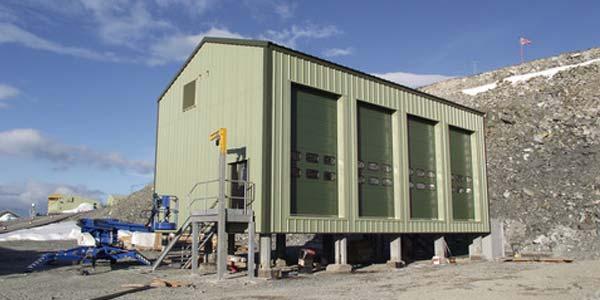 Een Nederlands mobiel lab op Antarctica. Foto: NWO.