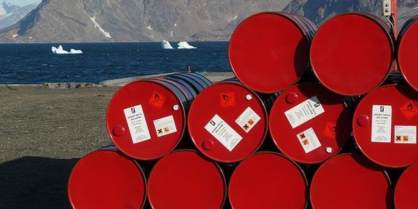 Olievaten op Groenland. Foto: ezioman (cc via Flickr.com).