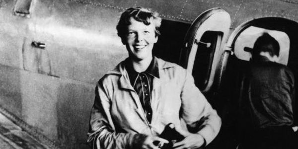 800px-Amelia_Earhart