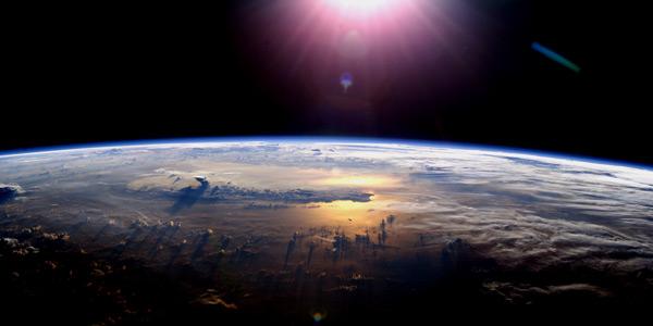Zonneschijn op het aardoppervlak. Afbeelding: NASA.