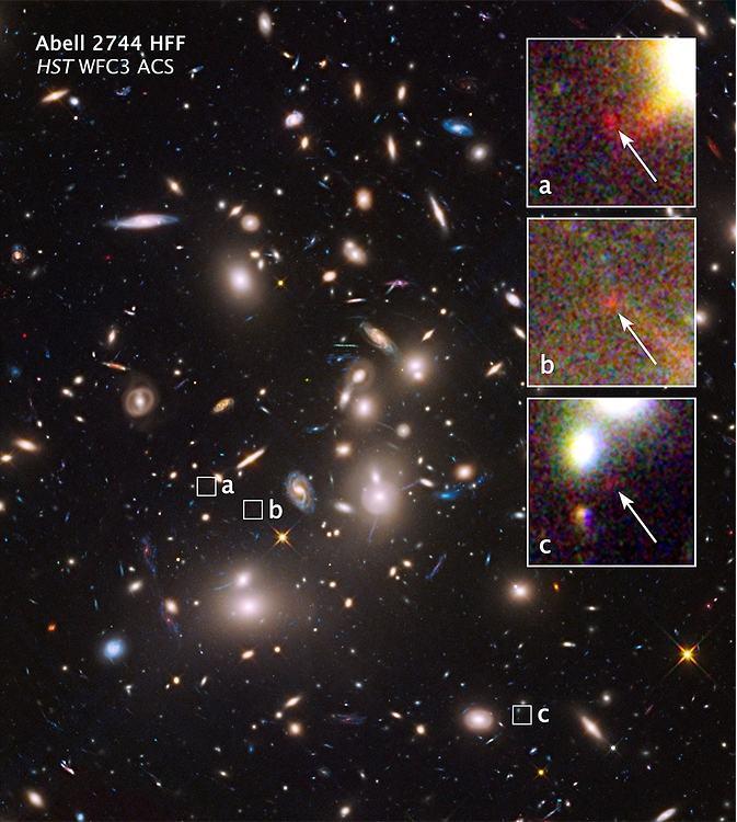 Drie beelden van hetzelfde, zwakke sterrenstelsel. Afbeelding: NASA / J. Lotz / (STScI).