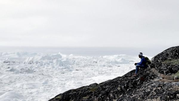Alex Bellini is van plan om komende winter op een ijsberg te wonen en het smelten van een ijsberg van dichtbij mee te maken.