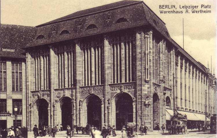Het Joodse warenhuis Wertheim in Berlijn.