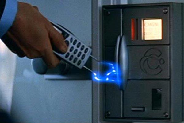 bond-gadgets- phone-21-1012-lgn