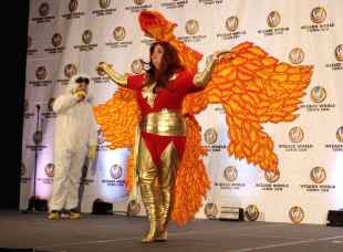 Cosplay: Best Female Villain Dark Phoenix