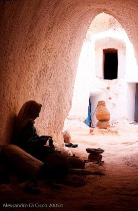 anziana signora tunisina - tunisian old lady