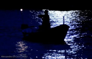 in barca di notte - boating at night