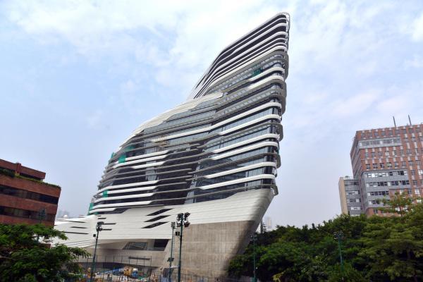 Architect Zaha Hadid's distinctive style a hit in China ...