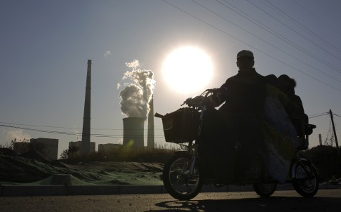 China burned less coal last year and generated more electricity from renewable sources to help halt the global rise in  carbon dioxide emissions. Photo: Reuters