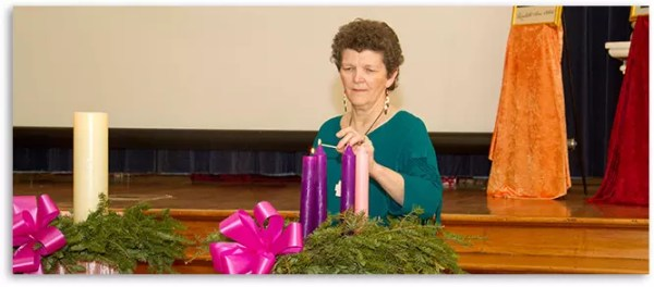 Aucoin-lighting-advent-wreath