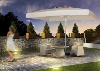 Solo negli ultimi decenni l'arredo giardino e con esso l'ombrellone ha assunto valenze fin'ora riservate soltanto agli arredamenti da interni. Parasols And Umbrellas For Outdoors And Gardens Design Umbrella