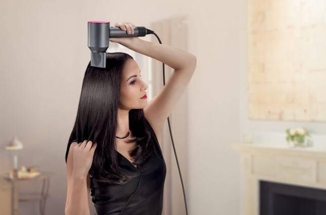 """Dyson Supersonic Elvive """"I capelli che voglio"""": acquista Elvive L'Oréal e vinci 100 Dyson Supersonic"""