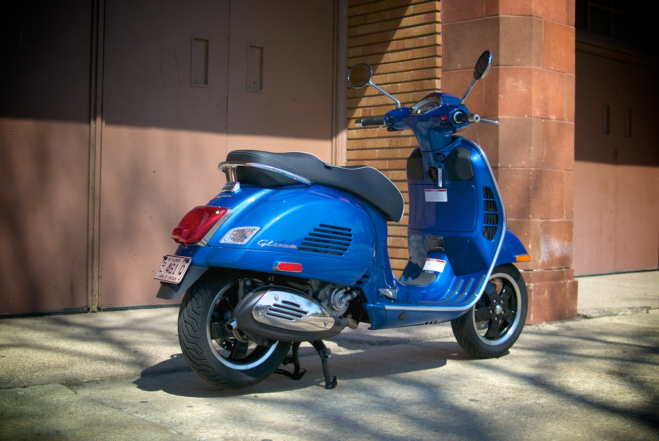 review 2015 vespa gts 300 super abs scooterfile. Black Bedroom Furniture Sets. Home Design Ideas