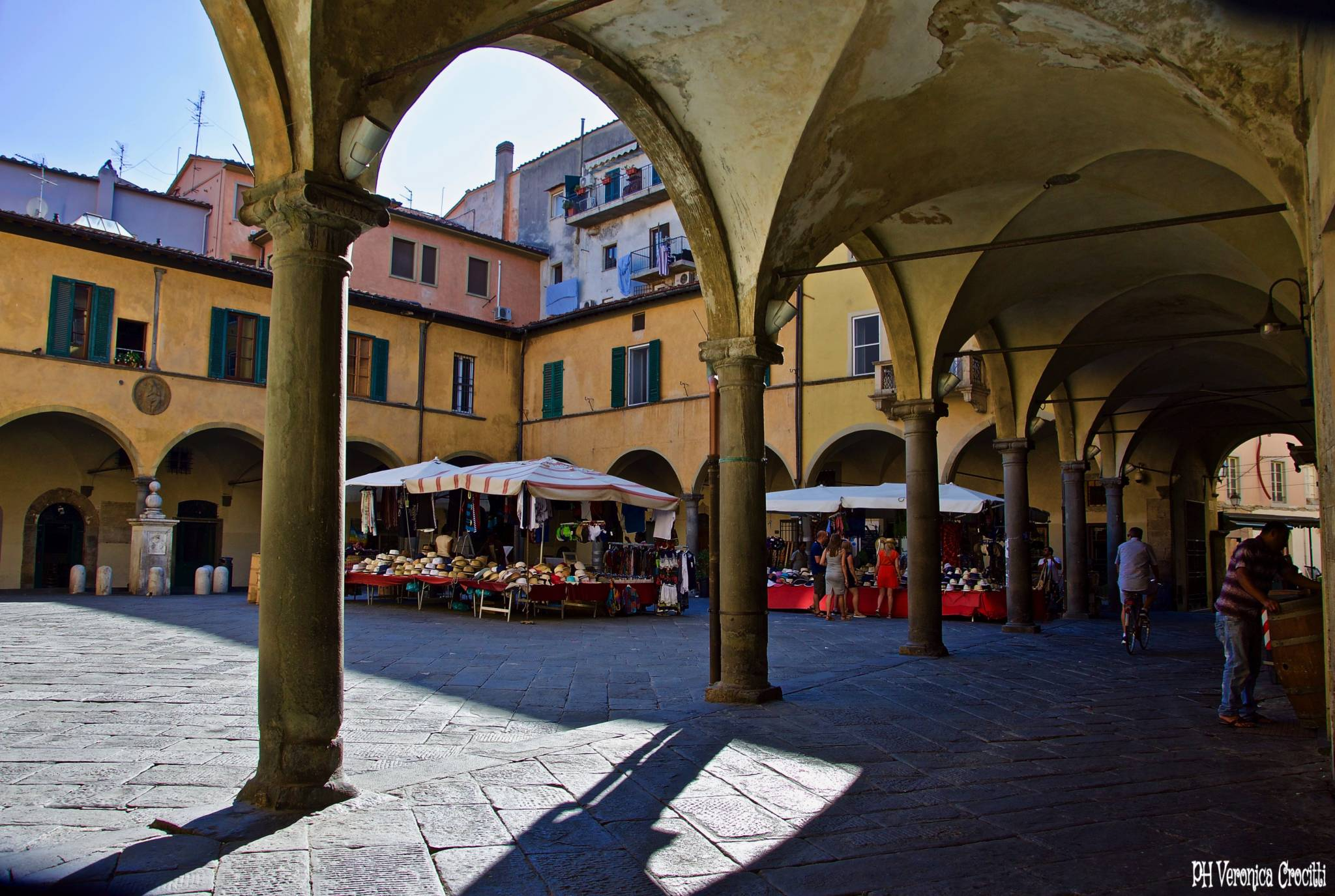 Piazza delle Vettovaglie - Pisa, Italia