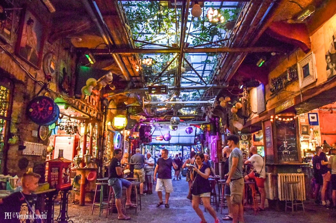 Szimpla Kert (Ruin Bar) - Budapest, Ungheria (Europa)