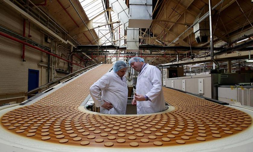 The owner of UK brands including McVities has announced plans to close its factory in the east end of Glasgow, putting nearly 500 jobs at risk.