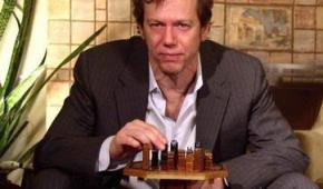 Talking Mastery and Social Intelligence with Author Robert Greene