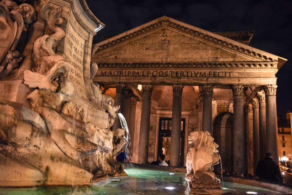 new-rome-pantheon-street-photography