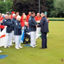 Gavin Macleod presenting Team Scotland with trophy