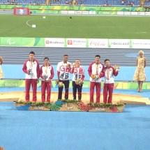 libby-clegg-t11-200m-medal-ceremony