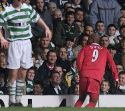 El Hadji Diouf spits at a Celtic fan