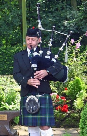 South Wales Bagpiper John Campbell