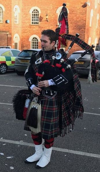 Oxford Bagpiper Harry Gow