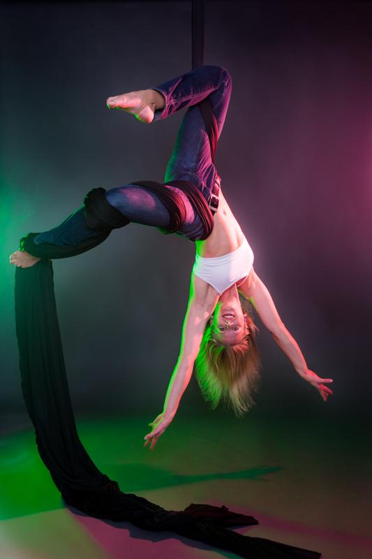 acrobatics_small-113