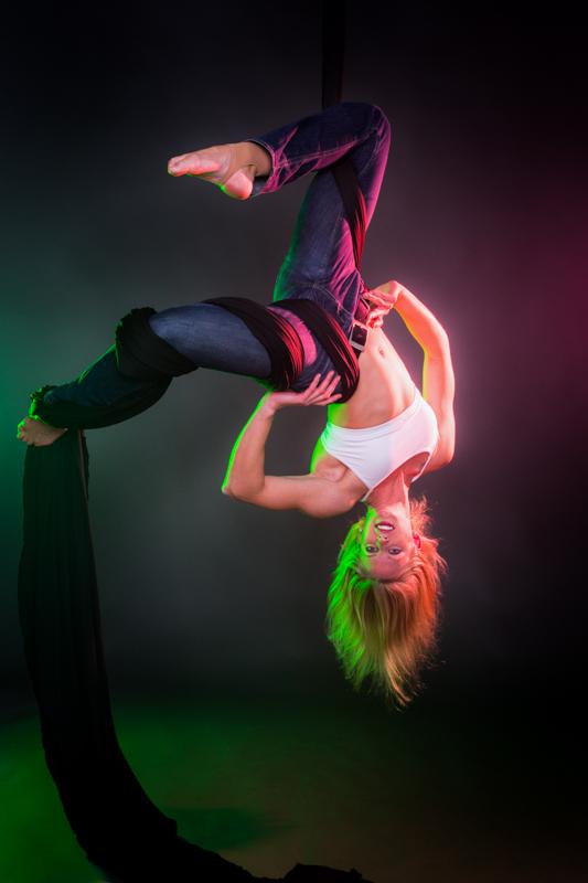 acrobatics_small-157