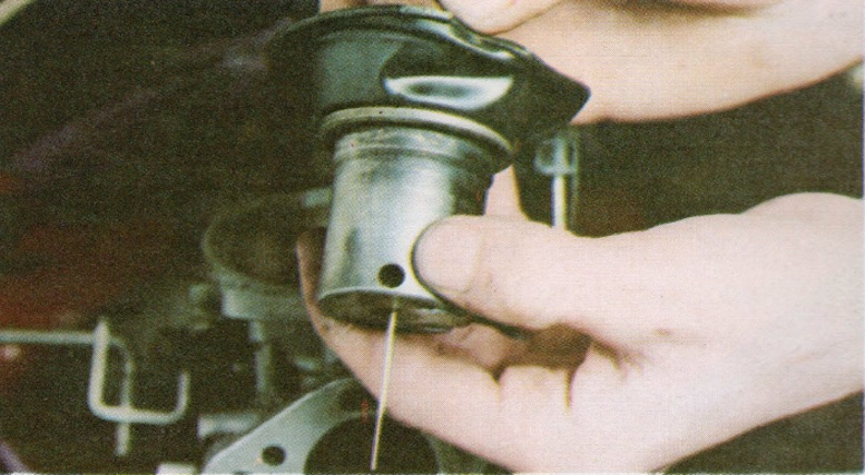 HOW TO TEST RUBBER DIAPHRAGM ON AN SU STROMBERG CARBURETTOR