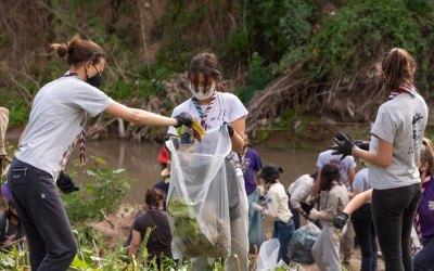 Scouts participaron de la jornada de limpieza del Río Paraná