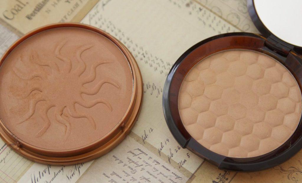 Bronzers bodyshop Honey Bronze Bronzing Powder 02 vs Rimmel Natural Bronzer 021 Sun Light review swatch