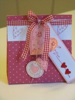 Verpackungen und Geschenke (29)