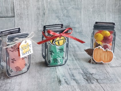 These adorable jar treat holders are perfect party favors, holiday table decorations, birthday treats, or wedding favors. Make them yourself with the Stampin Up Jar Punch and Jar of Flowers stamp set!
