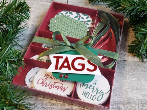 This handmade card set and gift box makes a sweet, simple, and personal DIY gift idea for family, friends, or others on your gift-giving list.
