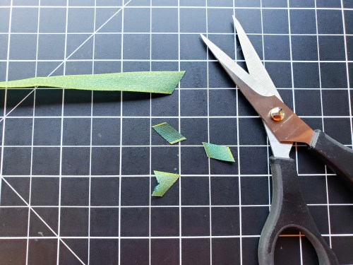 These paper cutting scissors are the best high quality scissors for cardmaking and scrapbooking! Stampin Up Snips are the best!
