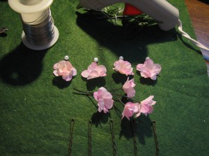 Materials to make a set of floral hairpins