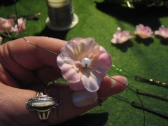Attaching the flower and pearl stopper