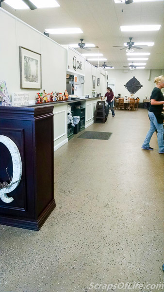 Q Cafe--the view from the entryway.