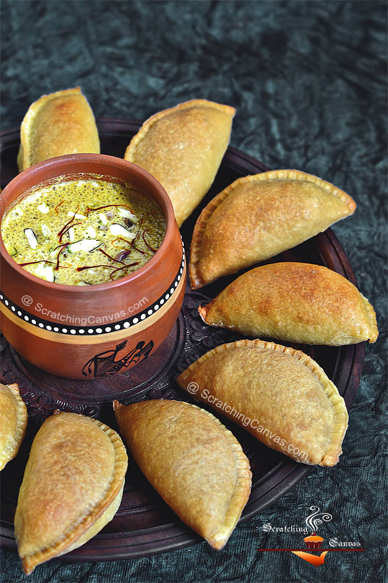 Baked Moong Dal Gujiya Recipe