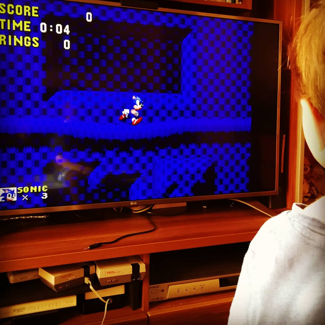 My Junior is playing some Classics #retrofeeling #retrogaming