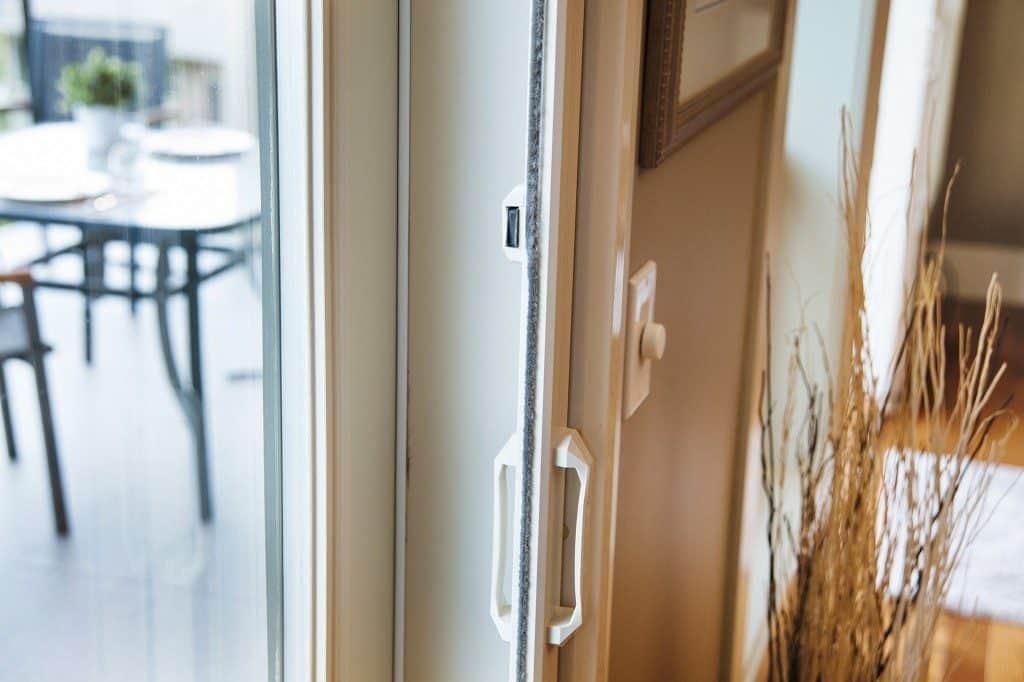 Phantom Screens - Professional Magnet Door Latch
